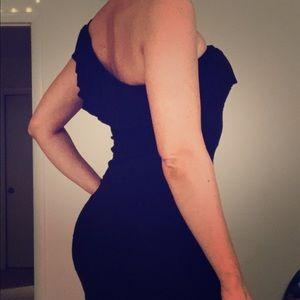 One shoulder black dress w/ feminine ruffle